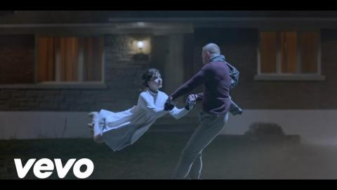 Elton John - Blue Wonderful