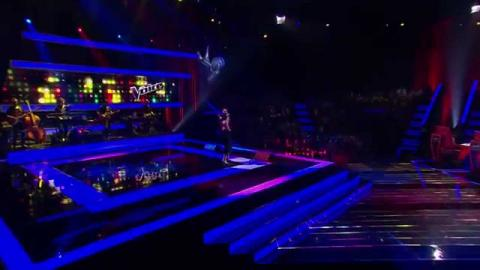 Almaryse Burton Sings Groove Is In The Heart | The Voice Australia 2015