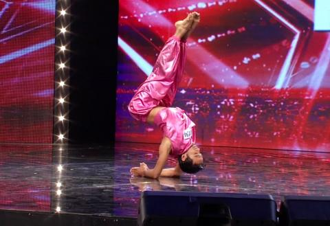 "Vietnam's Got Talent 2016 - TẬP 6 - Tiết mục Yoga ""không thể tin nổi"" - GAURAV SHARMA"