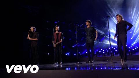 One Direction - Perfect (2015 American Music Awards)